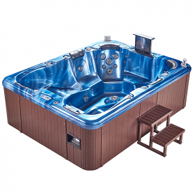 Outdoor 6 person acrylic hot tub